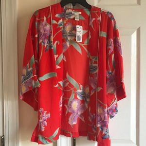 Brand new Forever 21 Cloak , silk , size S
